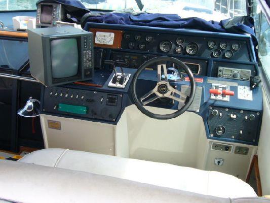 1987 sea ray express  3 1987 Sea Ray Express