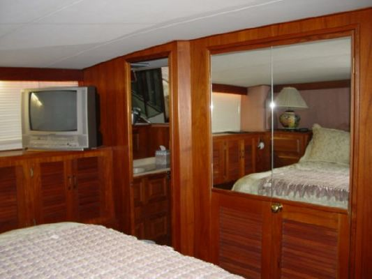 1987 viking 48 motor yacht  34 1987 Viking 48 MOTOR YACHT