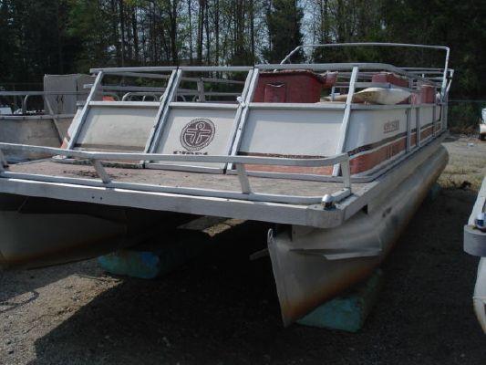 CREST PONTOON BOATS crest III 1988 Pontoon Boats for Sale