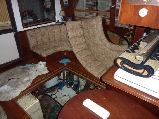 Majestic Pilothouse Trawler (She needs work....Best Offer!) 1988 Pilothouse Boats for Sale
