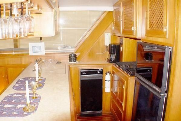 Symbol Raised Pilothouse 1988 Pilothouse Boats for Sale