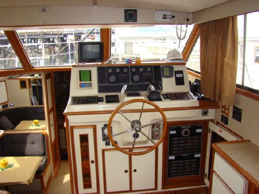 1988 vantare 48 cockpit motor yacht  12 1988 Vantare 48 Cockpit Motor Yacht
