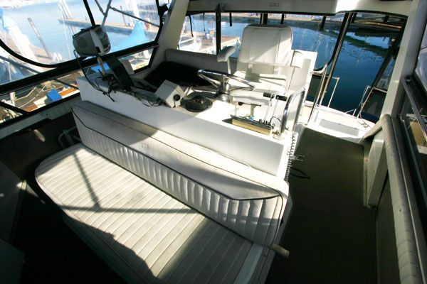 Carver ACMY 1989 38' Carver Boats for Sale