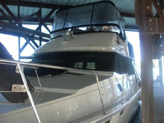 Bayliner 3888 MY Sedan 1989 Bayliner Boats for Sale