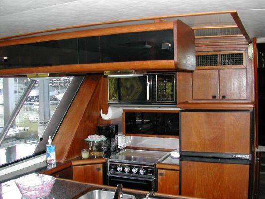 1989 bayliner 4588 motoryacht  8 1989 Bayliner 4588 Motoryacht