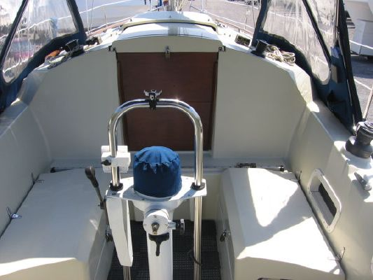 Mirage 32 aft cabin 1989 Aft Cabin Sailboats for Sale