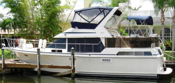 Tollycraft 40' Sundeck 1989 All Boats