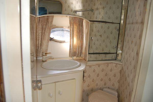 Viva Express Cruiser W/671 DIESELS 1989 All Boats