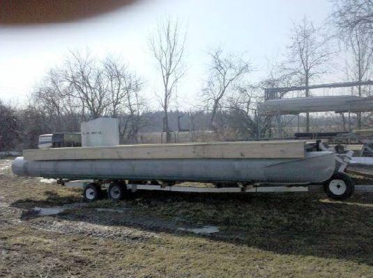 1990 1990 45 steel powered jackup barge  4 1990 1990 45 Steel Powered Jackup Barge