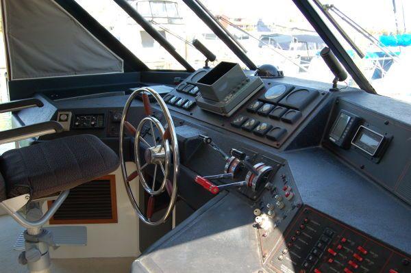 1990 bayliner 4588  9 1990 Bayliner 4588