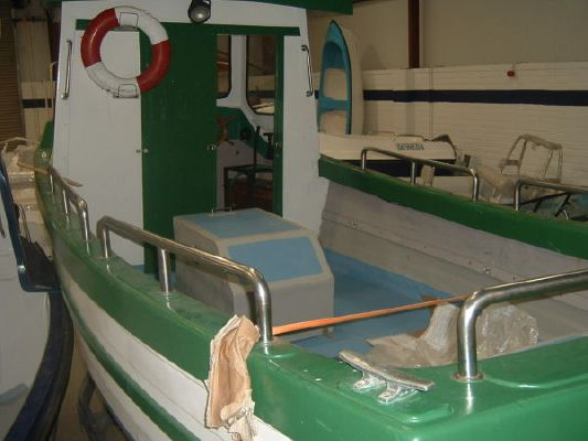 1990 fishing boat wheelhouse  3 1990 Fishing Boat Wheelhouse