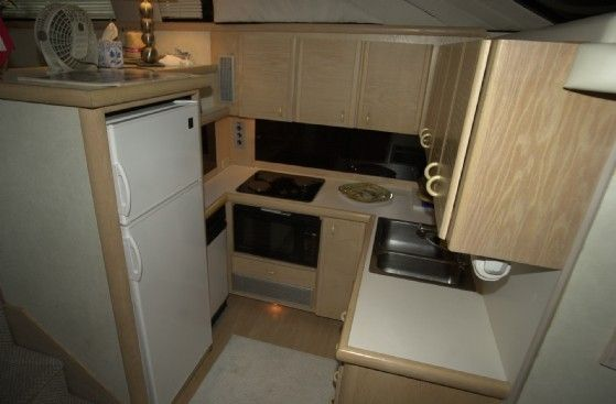 Silverton AFT CABIN 1990 Aft Cabin All Boats