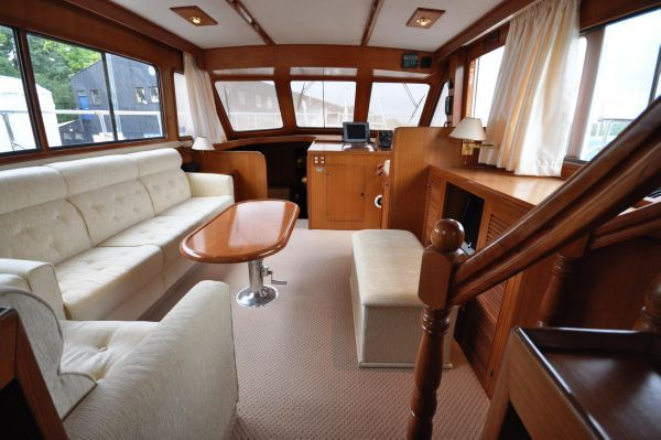 Trader 47 Sundeck 1990 All Boats