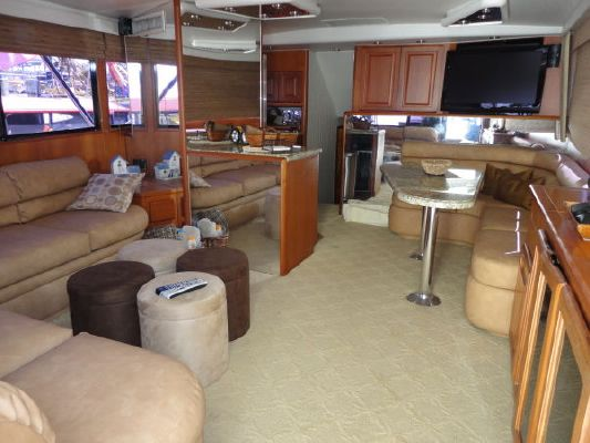 Viking Convertible Extra Clean*** 1990 Viking Yachts for Sale