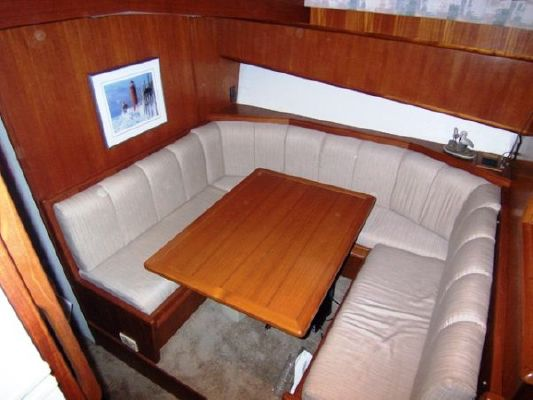 Viking * Convertible (Stk#B4294) 1991 Viking Boats for Sale