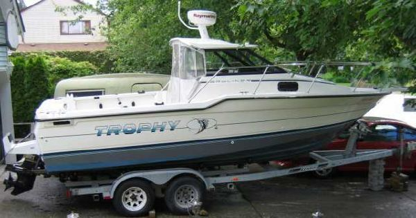 Bayliner Trophy 2305 1992 Bayliner Boats for Sale