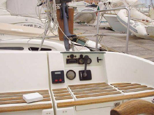 1992 beneteau oceanis 300  3 1992 Beneteau Oceanis 300