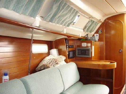 1992 beneteau oceanis 300  5 1992 Beneteau Oceanis 300
