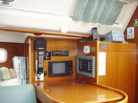 1992 beneteau oceanis 300  6 1992 Beneteau Oceanis 300