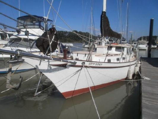 1992 bill garden design pilothouse cutter rig sailboat  4 1992 Bill Garden Design Pilothouse Cutter Rig Sailboat