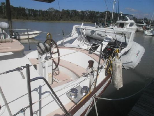 1992 bill garden design pilothouse cutter rig sailboat  5 1992 Bill Garden Design Pilothouse Cutter Rig Sailboat
