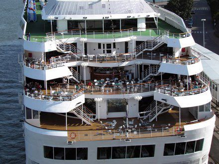Cruise Ship 800 PASSENGER 1992 All Boats
