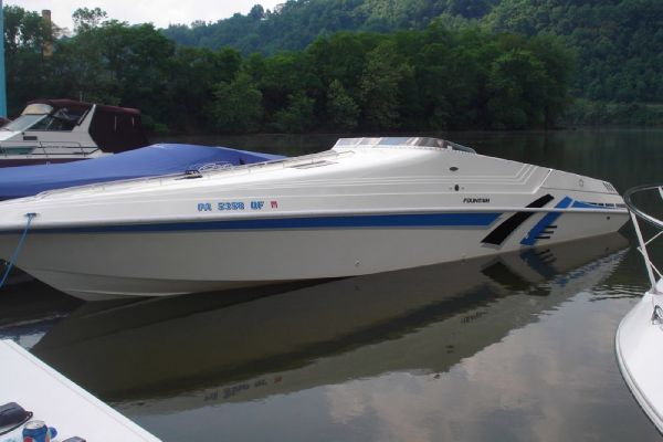 Fountain 38SC (SRG) 1992 Fountain Boats for Sale
