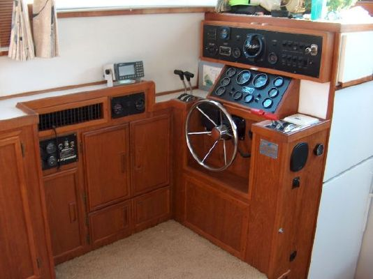 Marinette AFT CABIN 1992 Aft Cabin All Boats