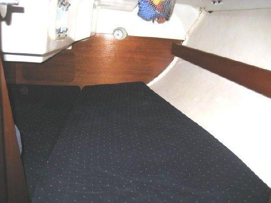 1993 beneteau first 310  13 1993 Beneteau First 310