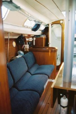 1993 beneteau first 310  15 1993 Beneteau First 310