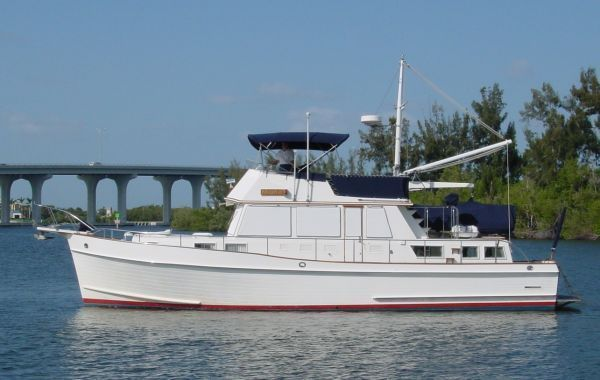 Grand Banks Stabilized with Bow Thruster 1993 Grand Banks Yachts
