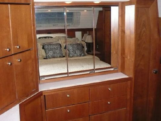 1994 bayliner 4587 cockpit motor yacht  13 1994 Bayliner 4587 Cockpit Motor Yacht