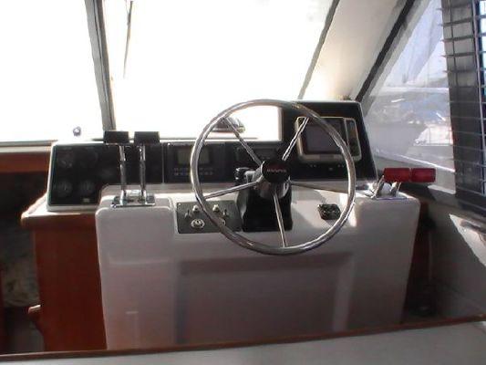 Carver Voyager Sedan 1994 Carver Boats for Sale