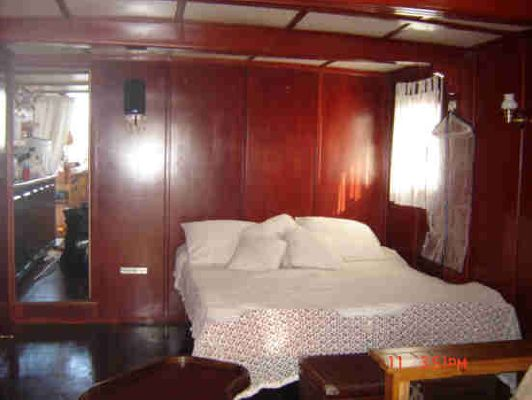 Custom Cape Island Trawler GREAT CHARTER OR LIVE 1994 Trawler Boats for Sale