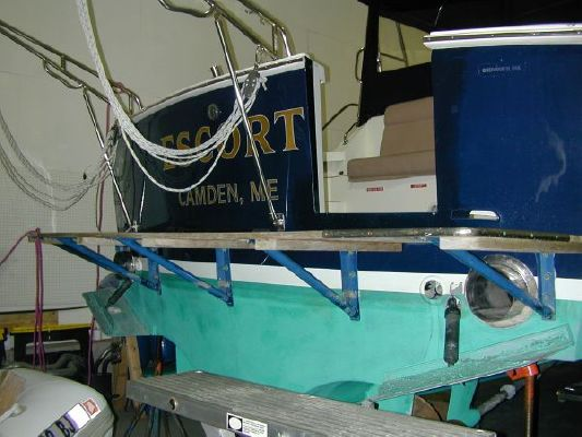 Grand Banks Eastbay EX (Owner will store in heated shed for winter) OFFERS 1994 Grand Banks Yachts