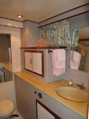 1994 jefferson marquessa extended deckhouse  7 1994 Jefferson Marquessa Extended Deckhouse