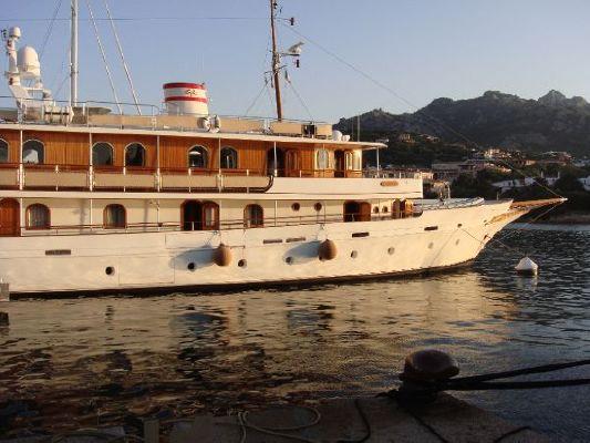 UNIVERSAL YACHTS CORP. 1994 All Boats