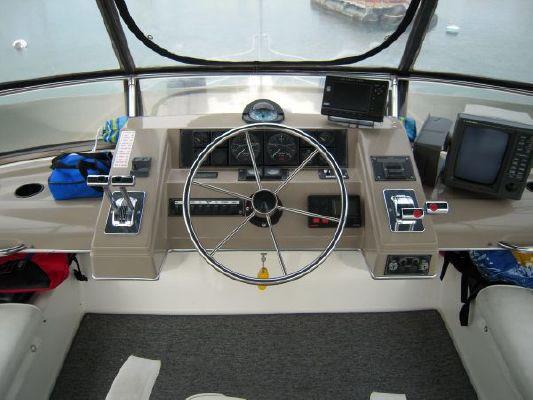 1995 bayliner 4587 cockpit my  7 1995 Bayliner 4587 Cockpit MY