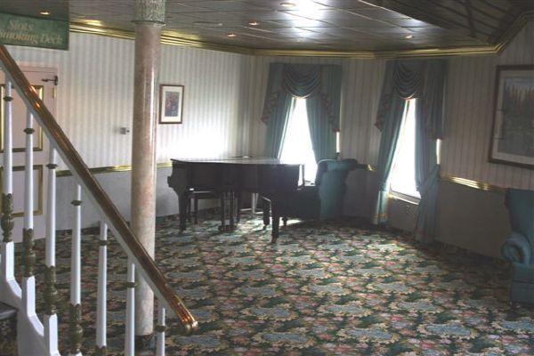 Casino Riverboat /2000 PAX plus crew 1995 All Boats