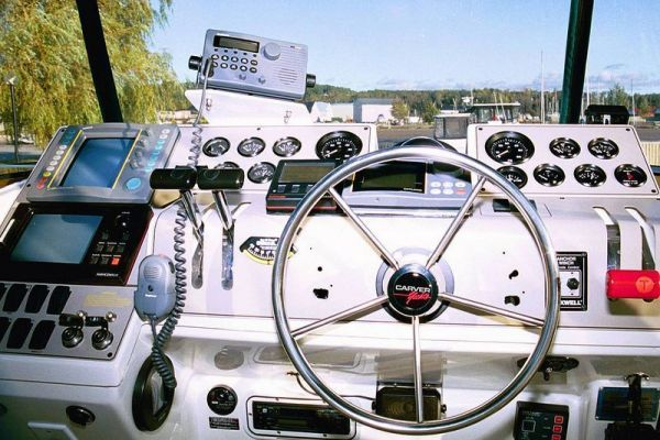 Carver Cockpit MY 1996 Carver Boats for Sale