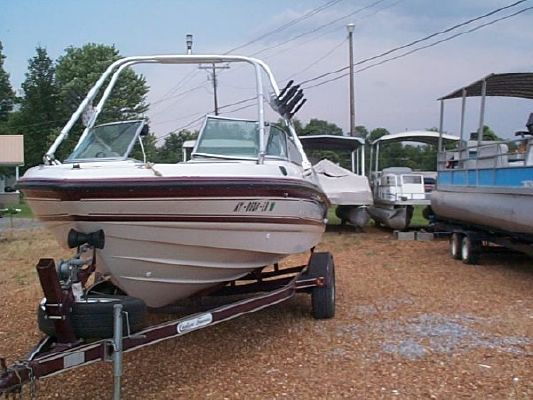Chaparral 1930Sport 1996 Chaparral Boats for Sale