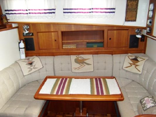 Grand Banks Eastbay 38 EX 1996 Grand Banks Yachts