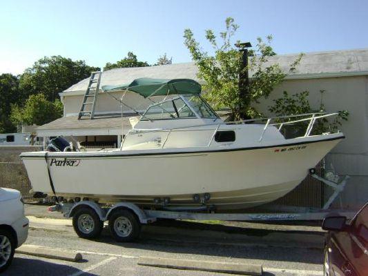 Parker 2110 Deep 1996 Motor Yachts