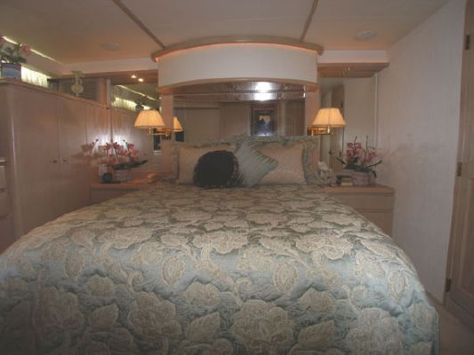 1996 west bay sonship pilothouse motoryacht  12 1996 West Bay SonShip Pilothouse Motoryacht