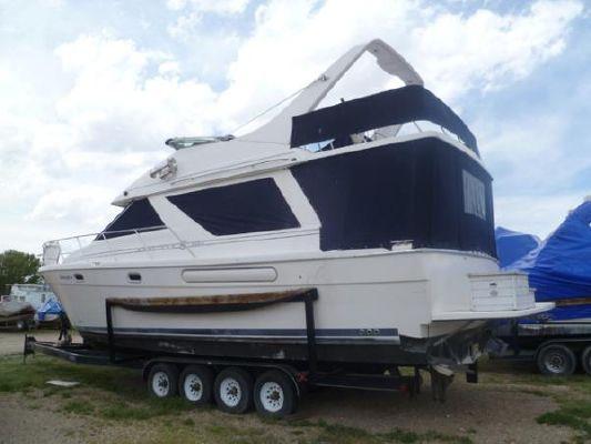 Bayliner 3988 COMMAND BRIDGE MOTOR YACHT 1997 Bayliner Boats for Sale