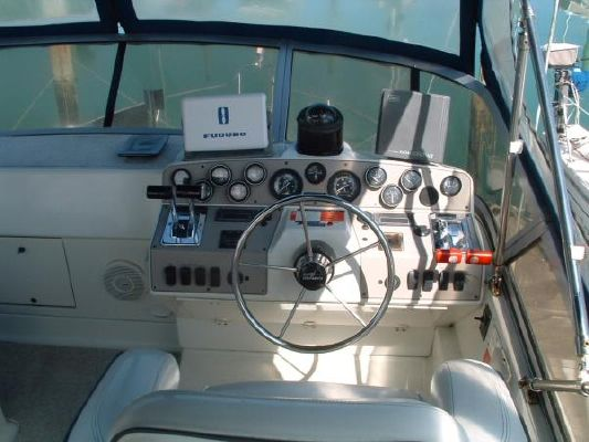 Carver 320 1997 Carver Boats for Sale