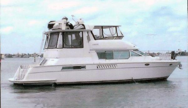 Carver cockpit motor yacht 1997 Carver Boats for Sale
