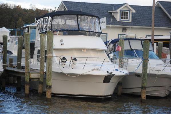 Carver Motor Yacht 1997 Carver Boats for Sale