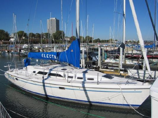 Catalina 380 Fresh Water 1997 Catalina Yachts for Sale
