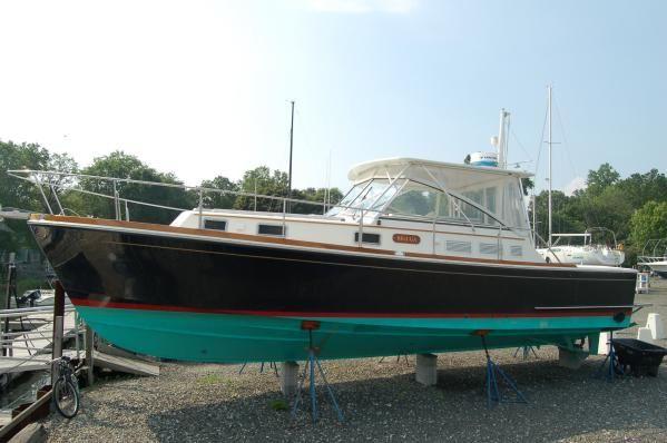 1997 Grand Banks Eastbay 38 Ex W Custom Hardtop Boats